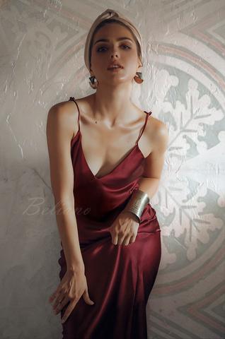 Шелковое платье комбинация бордового цвета