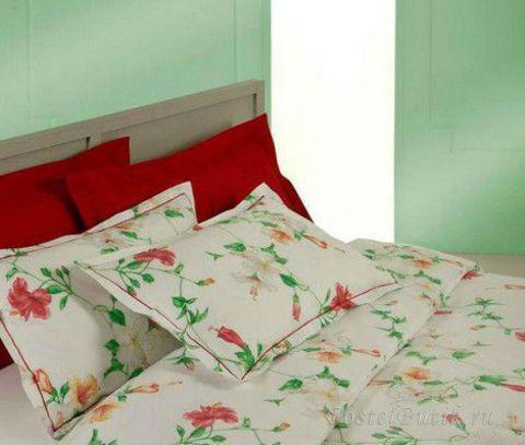 Постельное белье семейное Mirabello Hibiscus кремовое с красными цветами