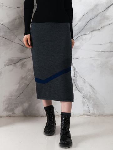 Black female skirt made of 100% wool with cuts - фото 2