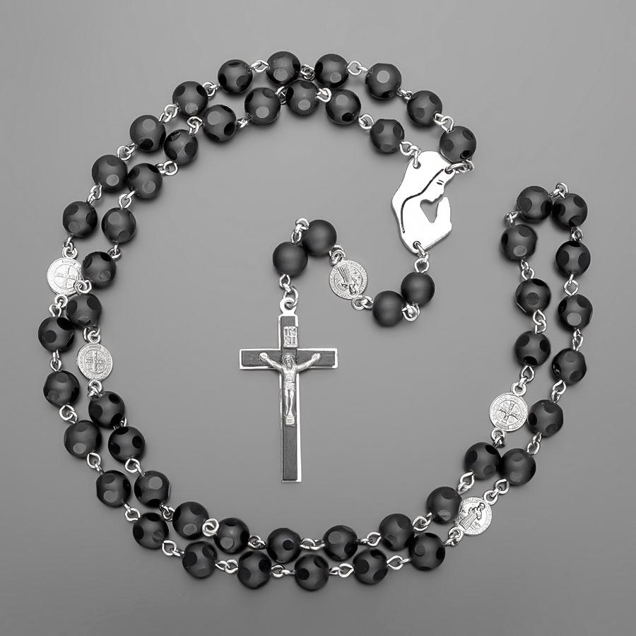 Бусы-розарий с крестом.