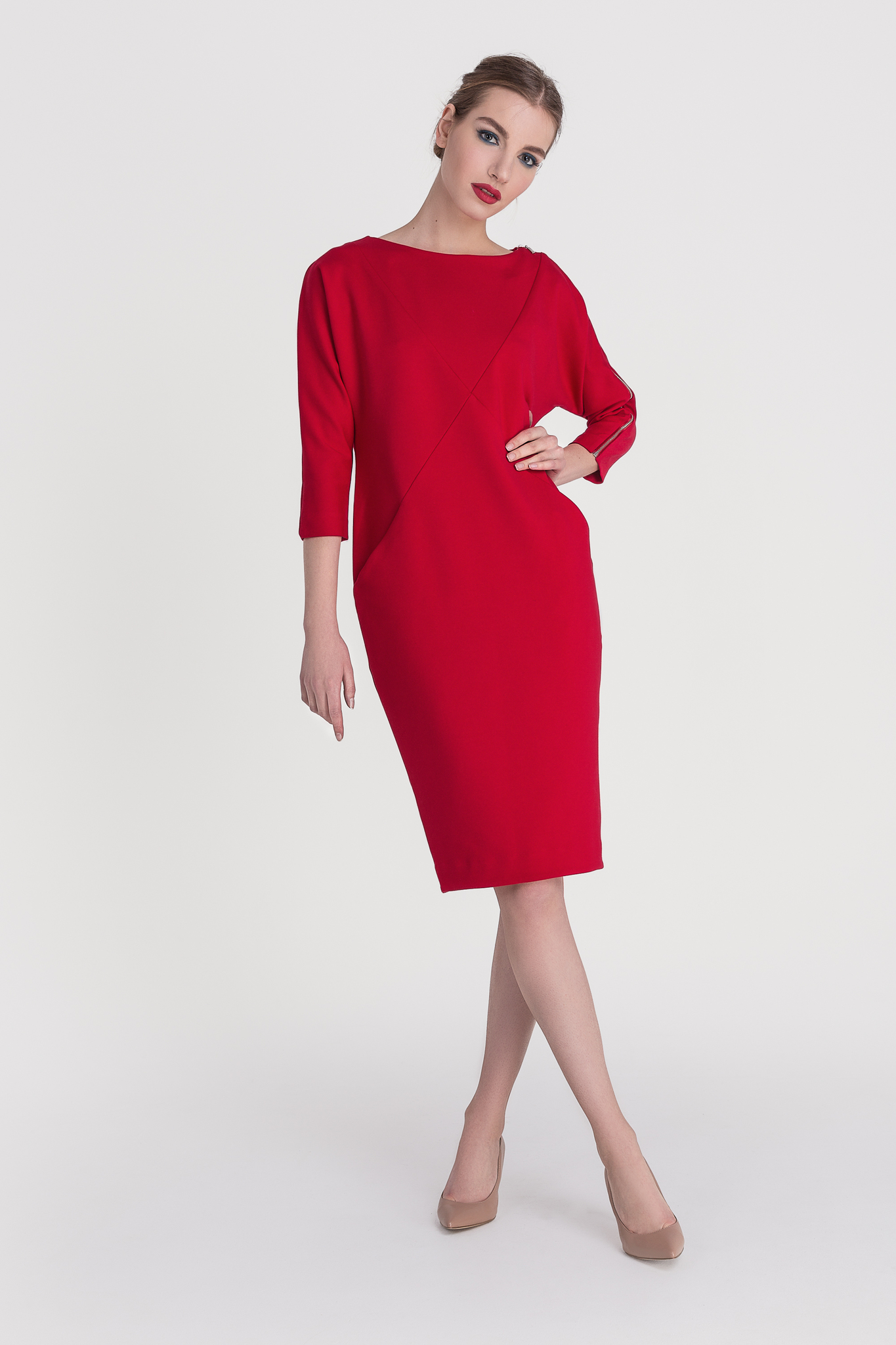 Платье RED BOOST
