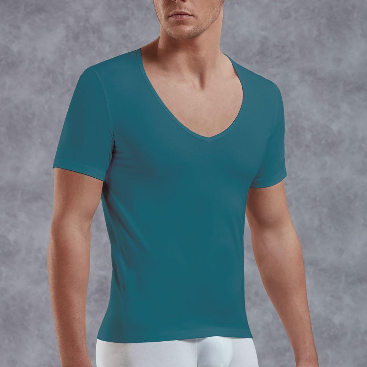 Мужское белье: Мужская футболка с V-образным вырезом