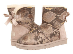 /collection/rasprodazha/product/ugg-bailey-bow-mini-snake-sand
