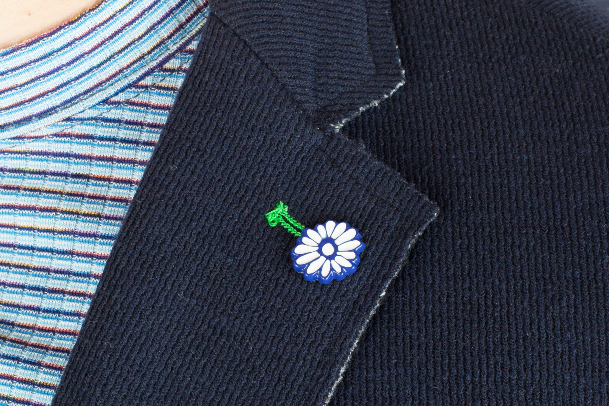 Тёмно-синий трикотажный пиджак из смеси хлопка и вискозы, петлица