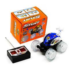 Машинка-перевертыш на пульте управления Stunt Show Racer
