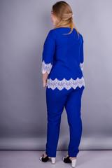 Тэй. Женский костюм больших размеров. Электрик.