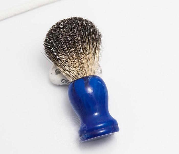 RAZ306-3 Помазок с деревянной рукояткой синего цвета