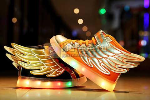 Светящиеся кроссовки с крыльями с USB зарядкой Бебексия (BEIBEIXIA), цвет черный золотой, светится вся подошва. Изображение 3 из 20.