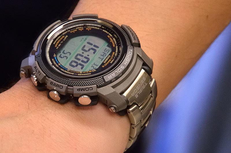 Цена реплик бренда часы варьируются от €5 до € одним из основных недостатков является то, что продавцы не могут служить имя оригинального бренда, разработка вопросы и сделать его возможным для обслуживания брендов акронимов для определения их продукции.