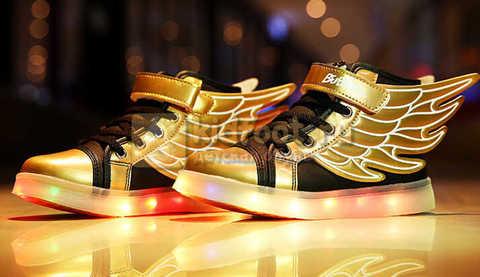 Светящиеся кроссовки с крыльями с USB зарядкой Бебексия (BEIBEIXIA), цвет черный золотой, светится вся подошва. Изображение 8 из 20.
