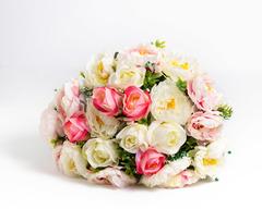 Розы и пионы.