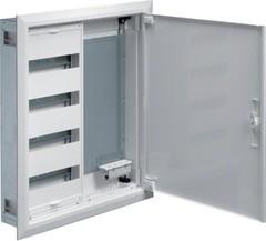 Щит встраиваемый, IP30, 650x550x110мм (ВхШхГ), 1 секция под мод. устр. 48М + клеммы QC PE, одна секция с перф. монт. панелью + розетка SWISS Ст. 4 гнезда, дверь и рамка, IP30, класс защиты II, RAL9010