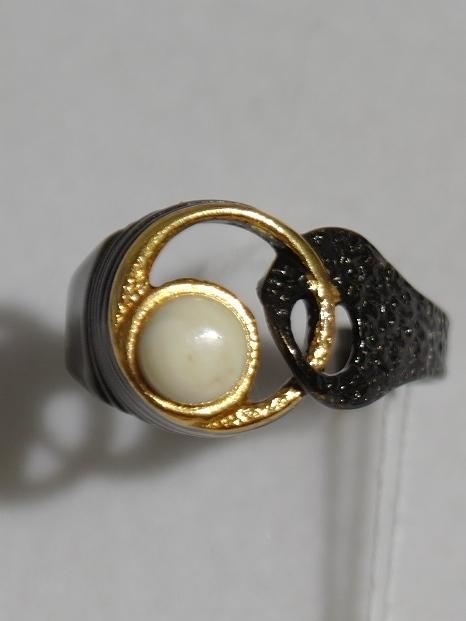 Джотта-молочный (кольцо из серебра)
