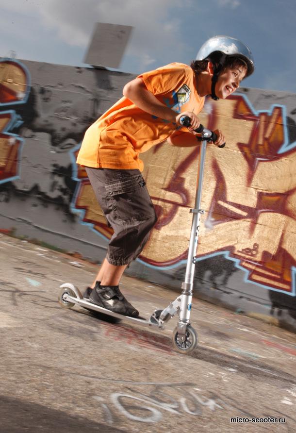 micro-scooter Micro Sprite. Облегченный самокат для взрослых и детей.