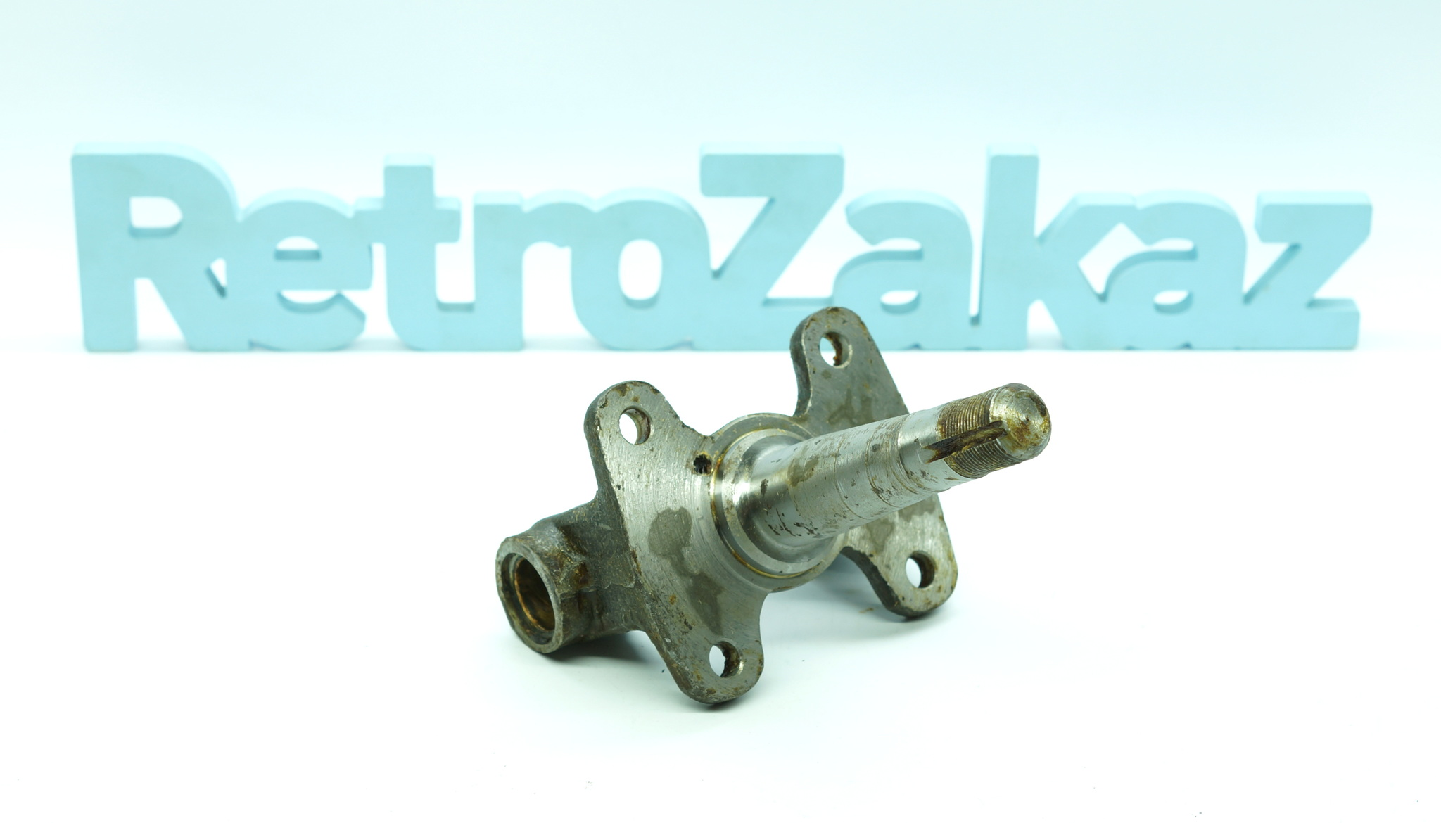 Поворотный кулак Газ 21, М20