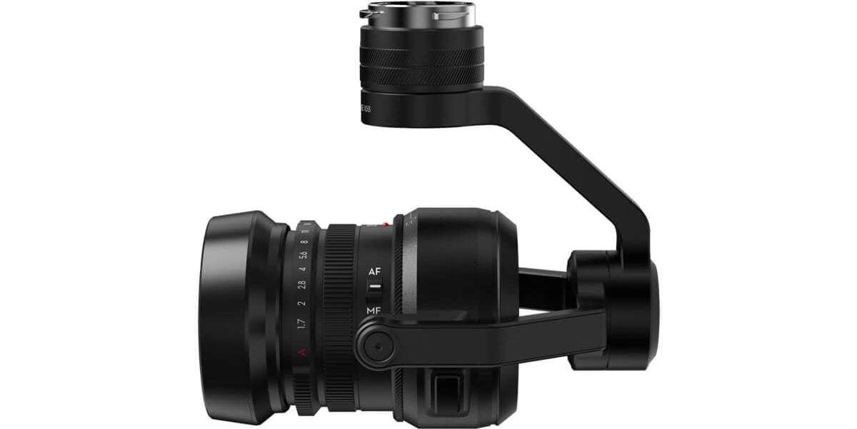 Подвес с камерой и объективом DJI Zenmuse X5S for Inspire 2 вид слева