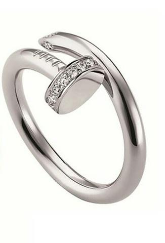Кольцо гвоздь из серебра с фианитами