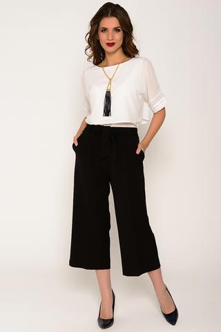 Брюки - кюлоты. Очень удобные брюки - кюлоты с карманами. Модный тренд 2017 года.  Сзади по поясу брюки на резинке, впереди пояс с бантом. (Длина: 44-82см; 46-83см; 48-85см; 50-87см)