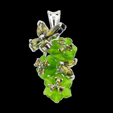 Подвеска с цветами из зеленого кварца и вставками из фианита