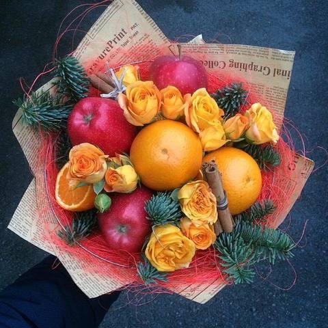 Фруктовый новогодний букет