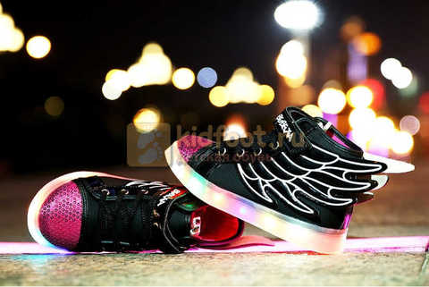 Светящиеся кроссовки с крыльями с USB зарядкой Бебексия (BEIBEIXIA), цвет черный розовый, светится вся подошва. Изображение 3 из 20.