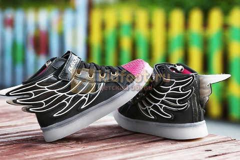 Светящиеся кроссовки с крыльями с USB зарядкой Бебексия (BEIBEIXIA), цвет черный розовый, светится вся подошва. Изображение 8 из 20.