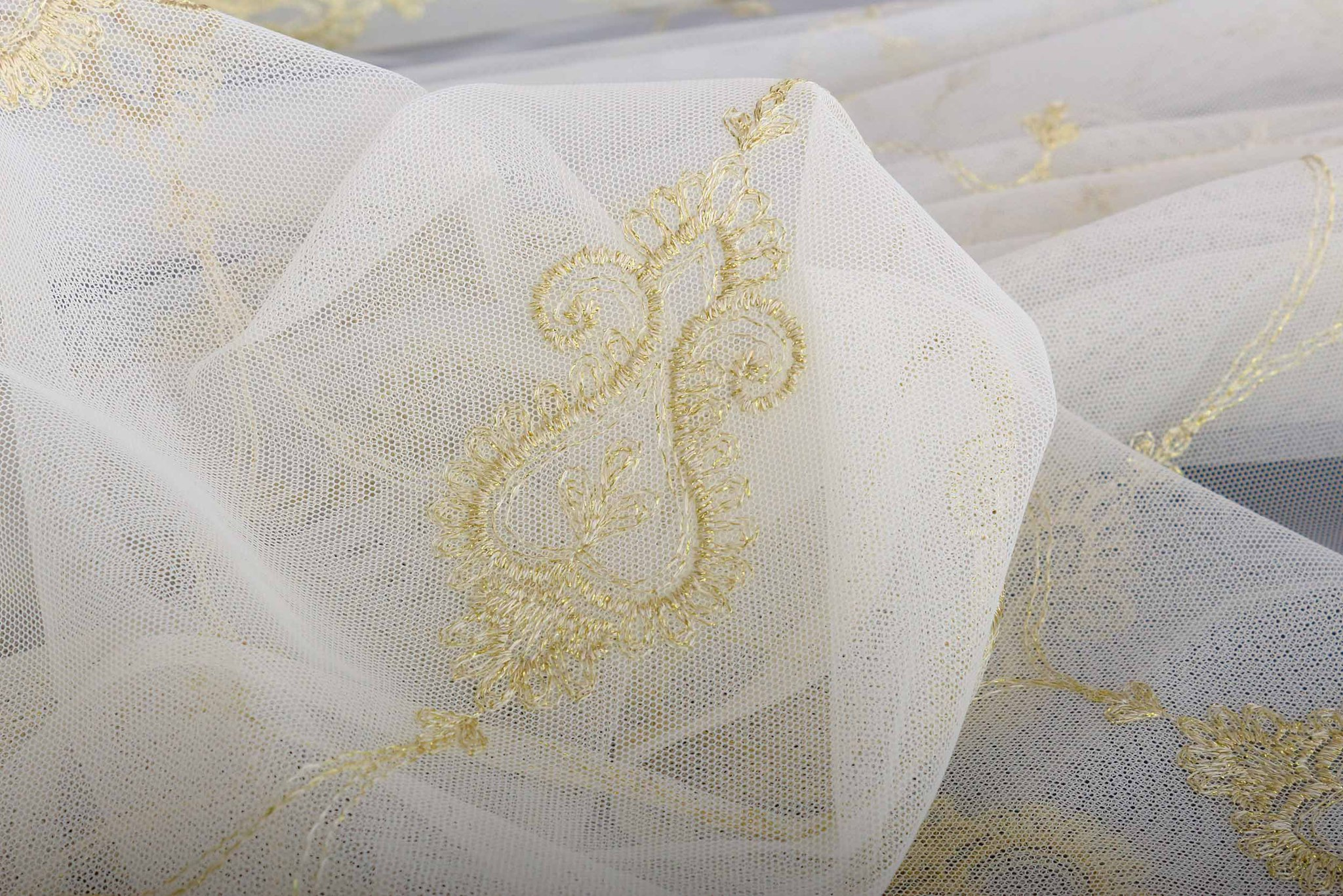 Микросетка Флоренция с классической вышивкой (золото)