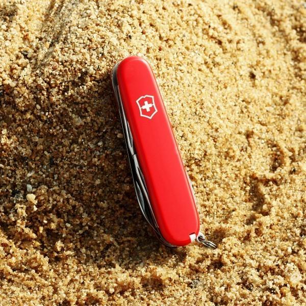 Складной нож Victorinox Camper (1.3613) 91 мм., 13 функций, цвет красный