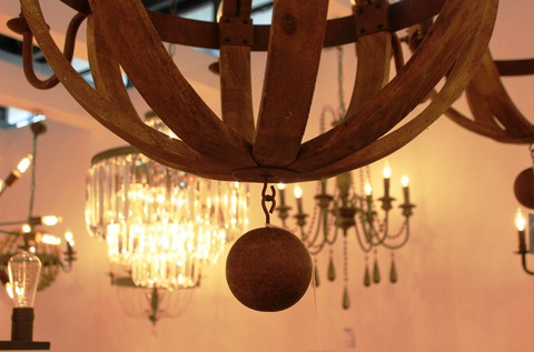 vintage chandelier 01-56 ( by Funky Vintage )