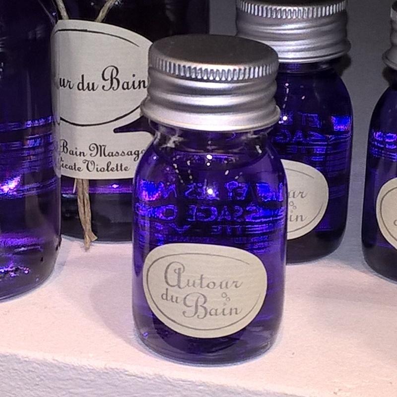 Autour Du Bain Масло для ванны и массажа Delicate Violette / Фиалка 30 мл (Гели и масла для ванны и душа)