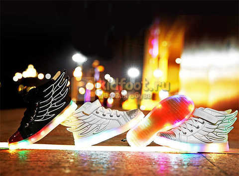 Светящиеся кроссовки с крыльями с USB зарядкой Бебексия (BEIBEIXIA), цвет белый серебряный, светится вся подошва. Изображение 3 из 18.