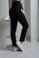 Стильные брюки с высокой талией. Черный