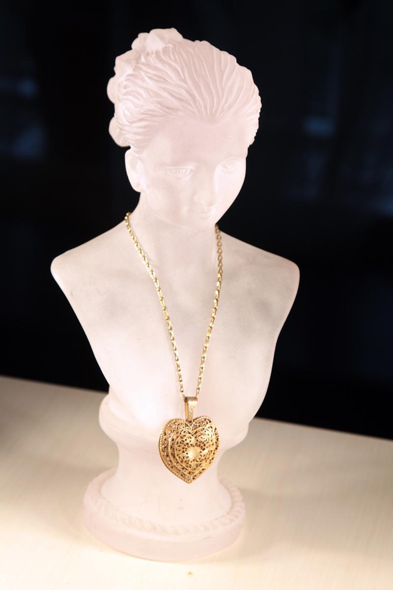 Элегантный кулона в виде сердца на цепочке от Miriam Haskell