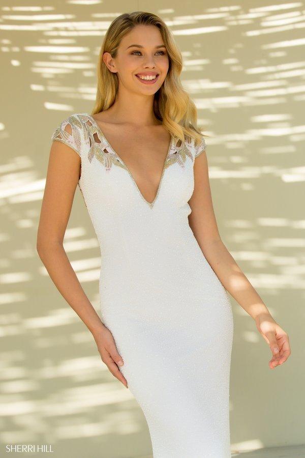 Sherri Hill 52451 Длинное, облегающее платье фигуру с изысканно украшенной спинкой