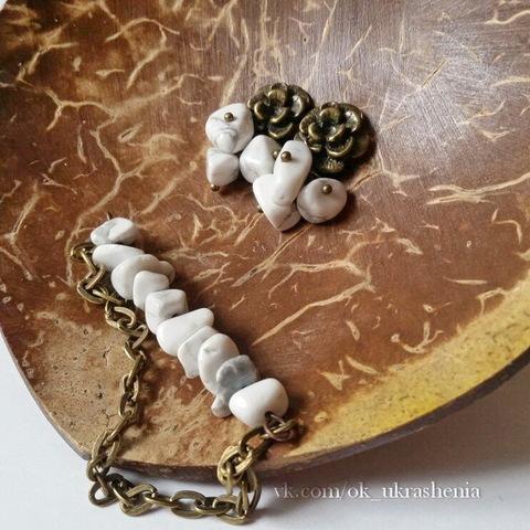 Бусина Говлит, крошка, цвет - белый, 5-8 мм, нить (Украшения в стиле минимализм. Пример)