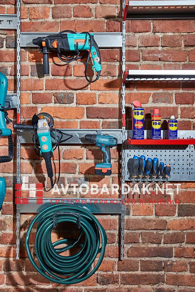 Рейлинг для хранения инструментов с зацепами на вертикальные направляющие. Модульная система IF
