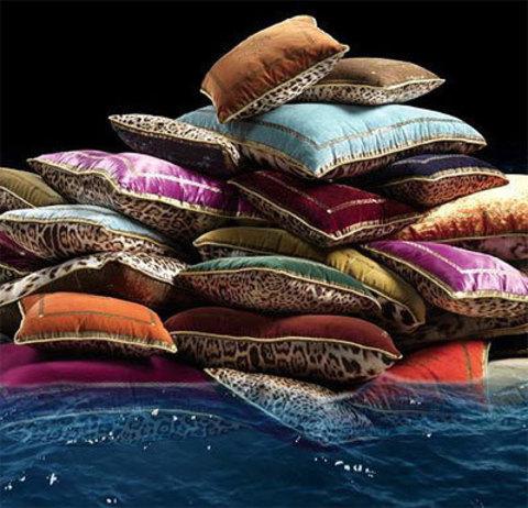 Элитная подушка декоративная Venezia розовая от Roberto Cavalli