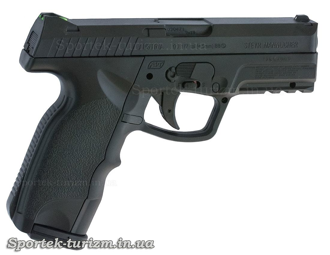 Вид справа на пневматический пистолет ASG Steyr M9-A1 4,5мм черный