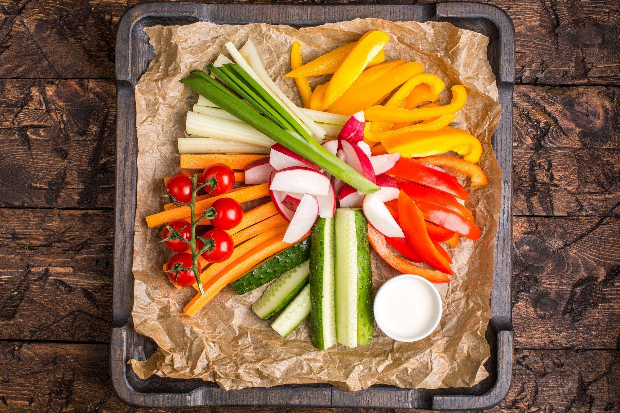 Тарелка овощная с соусом