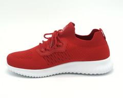 Кроссовки красные на белой подошве