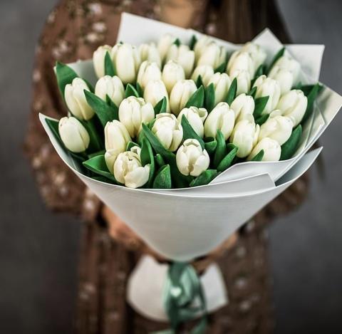 35 тюльпанов в оформлении #18247