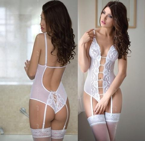 Очаровывающее белое боди с подвязками Tina