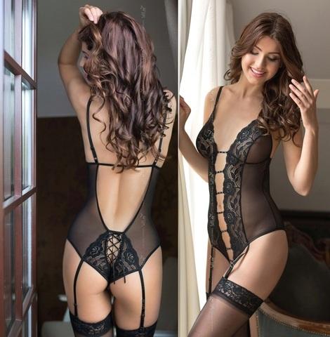 Очаровывающее черное боди с подвязками Tina