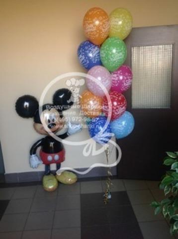 фонтан из шаров на день рождения с Микки Маусом
