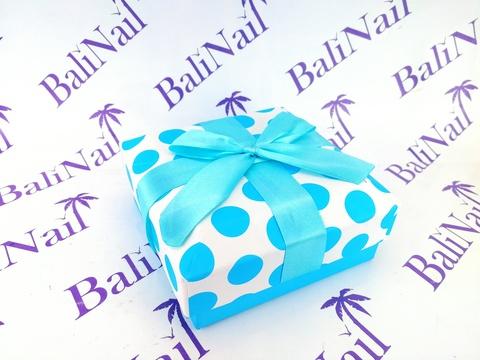 Коробка подарочная квадратная с бантом, 12x12x5см, белый/голубой/горох