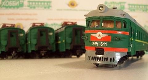 20X06 Модель Электропоезда ЭР2- 611 ( 5 вагонов), НО, с двигателем