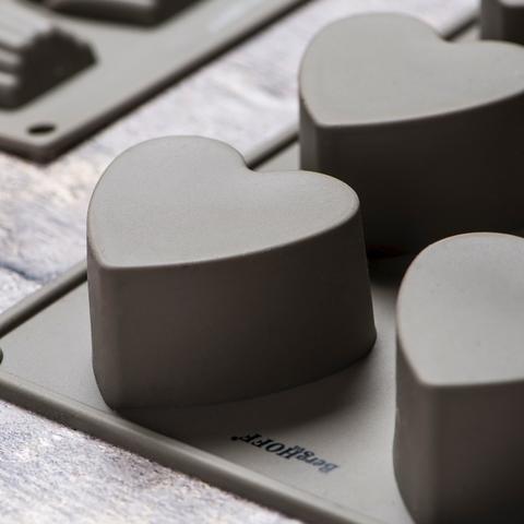 Силиконовая форма для выпечки 8 сердечек