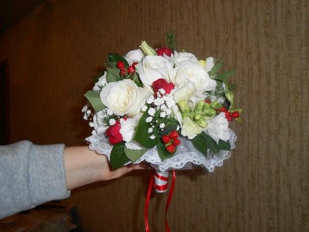 букет невесты дондробиум, лизиантусы, роза спрей, львиный зев 12 тыс тг