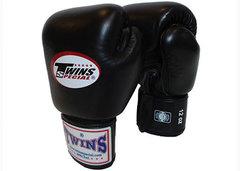 Перчатки боксерские Twins BGVL-3 для муай-тай (черные) Арт. BGVL-3