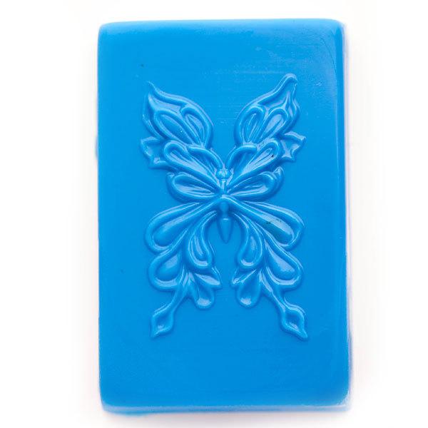 Пластиковая форма для мыла в виде бабочки
